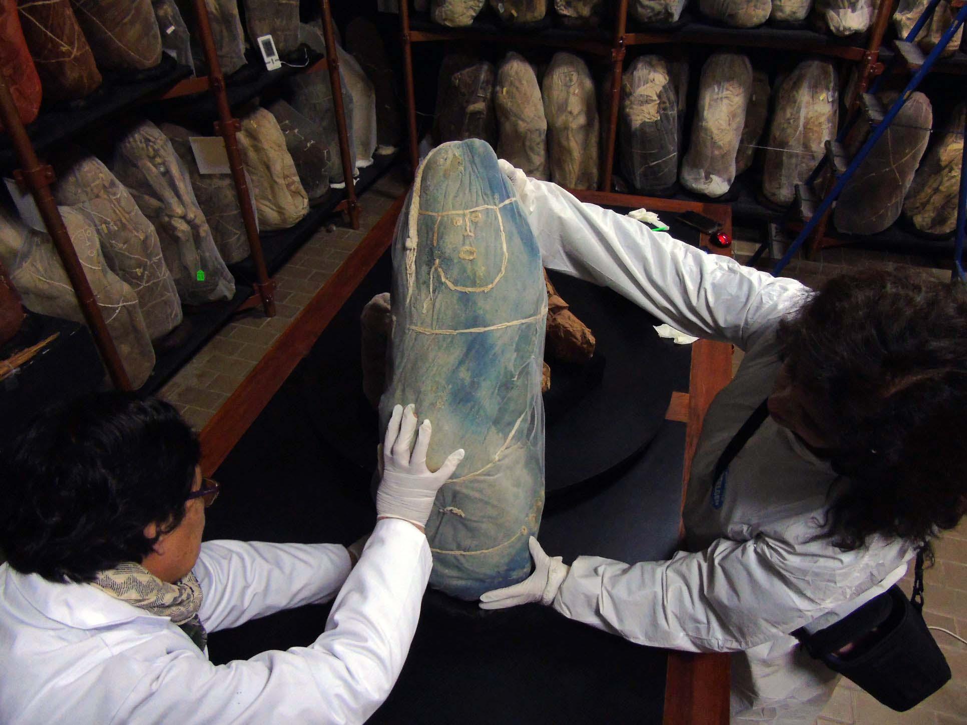 Fardos Chachapoyas fueron Materia de Investigación de Académica de la UDA en Museo Leymebamba de Perú