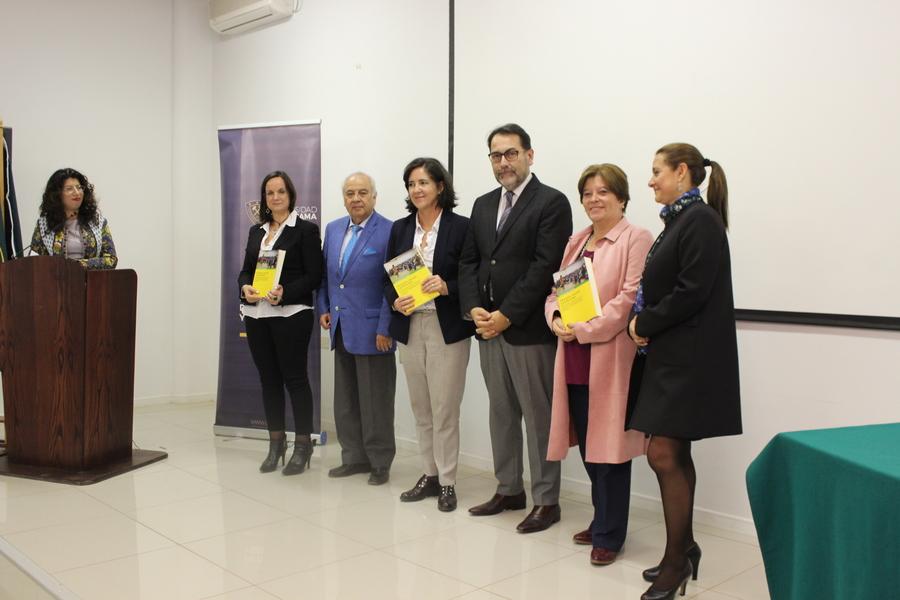 """Lanzan libro """"Educación, Escuela y Profesorado"""" en Consejo de Decanos del CRUCH realizado en la UDA"""