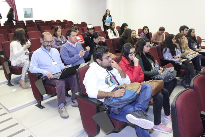 Ceal de Ingeniería Comercial organizó Primer Simposio para compartir experiencias profesionales