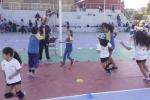 Estudiantes de Educación Física colaboraron en evento de mini vóleibol organizado por el IND